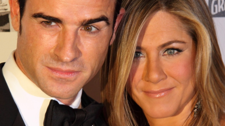 Justin Theroux og Jennifer Aniston poserer