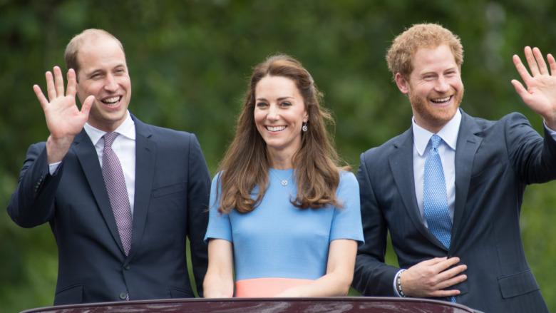 Prins William, Kate Middleton og prins Harry vinker