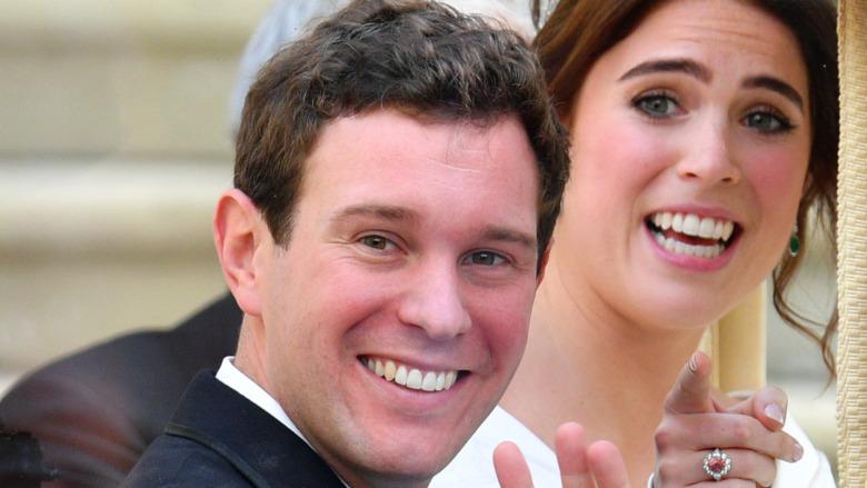 Jack Brooksbank og prinsesse Eugenie i bryllupet
