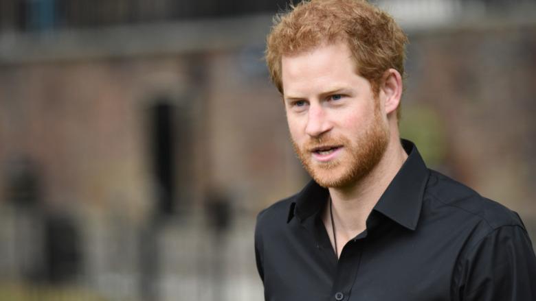 Prins Harry svart skjorte