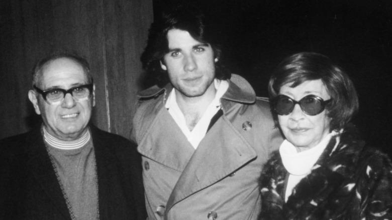 John Travolta poserer med foreldrene sine