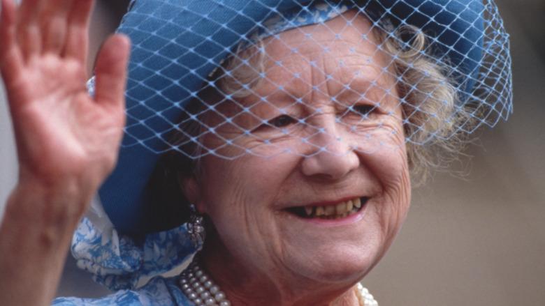Dronningmors blå hatt