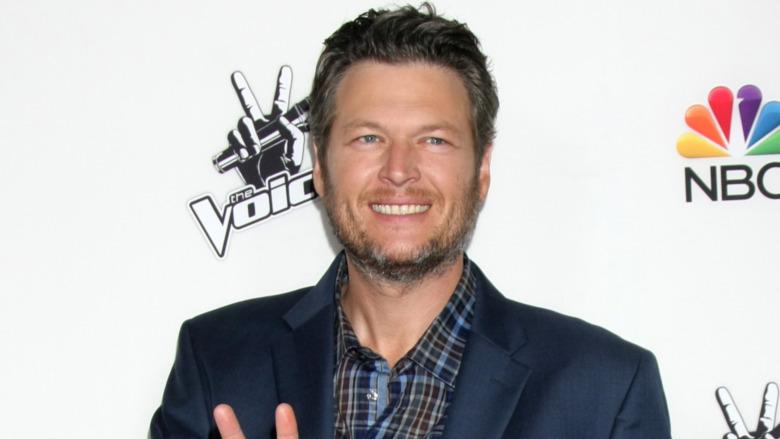 Blake Shelton smilte i 2014