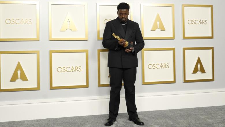 Daniel Kaluuya holder Oscar