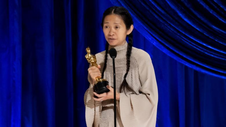Chloe Zhao snakker