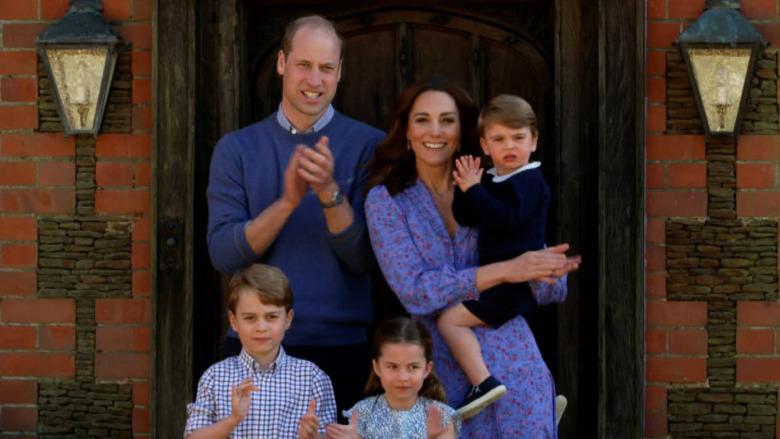 Prins William, Kate Middleton og barna deres klapper
