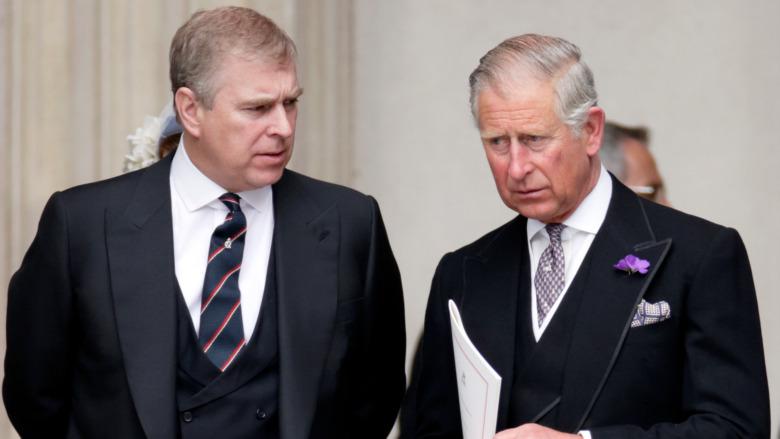 Prins Charles og prins Andrew på arrangementet