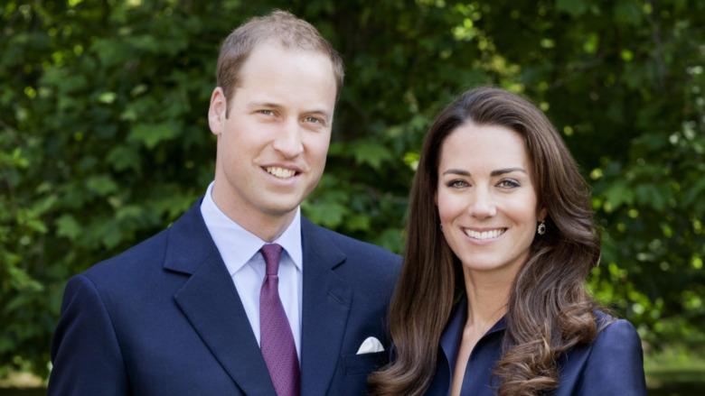 Prins William og Kate Middleton poserer for offisielt turportrett