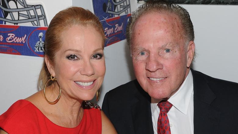 Frank Gifford og Kathie Lee Gifford smiler