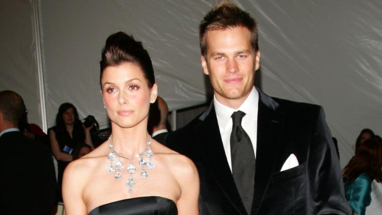 Bridget Moynahan og Tom Brady poserer for kameraer på rød løper sammen