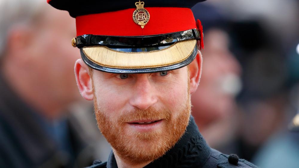 Prins Harry iført militæruniformen