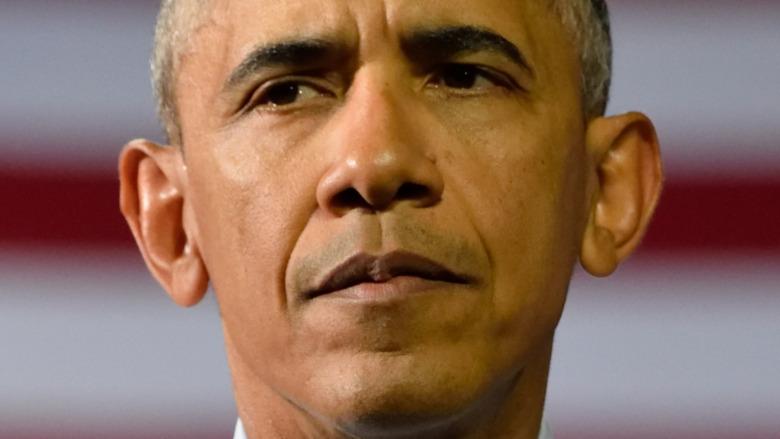 Barack Obama med et nøytralt uttrykk