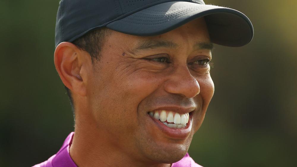 Tiger Woods spiller golf