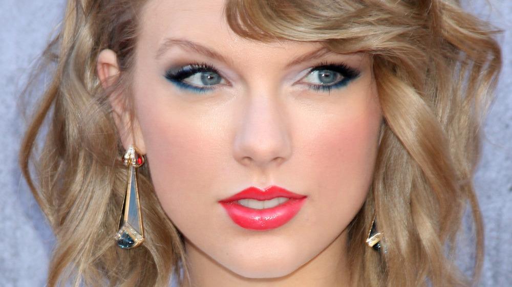Taylor Swift smilende