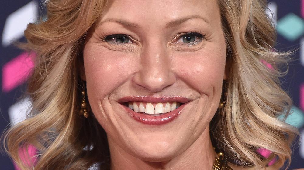 Joey Lauren Adams smiler