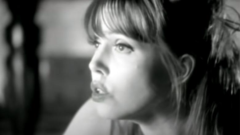 Anita Lane vises i en musikkvideo