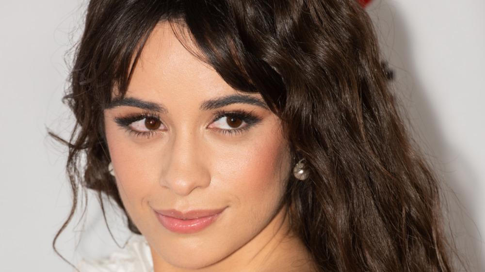 Camila Cabello poserer