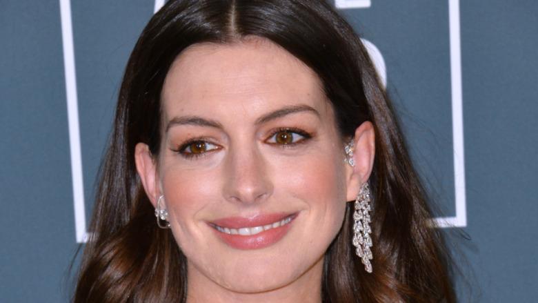 Anne Hathaway 2020