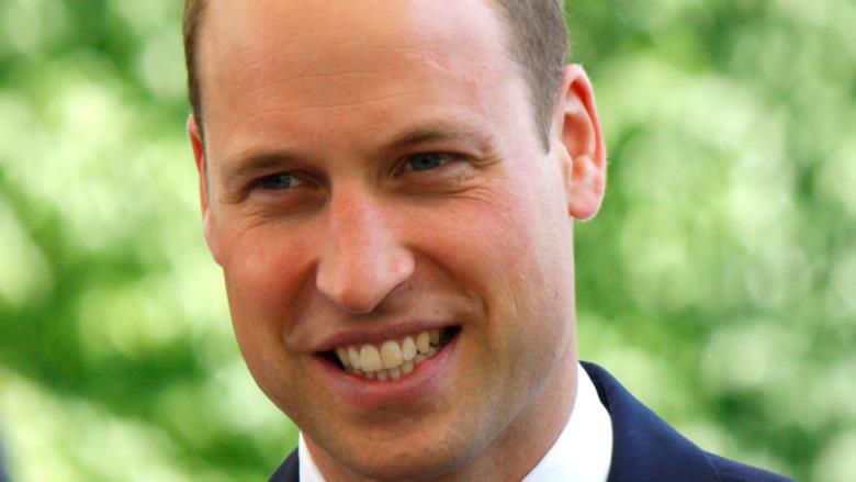 Prins William, smilende
