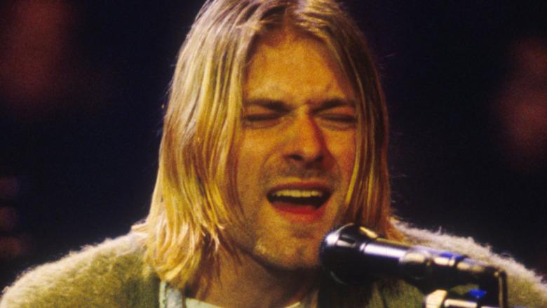 Kurt Cobain opptrer