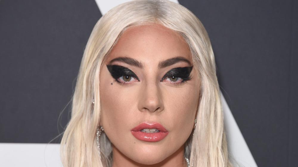 Lady Gaga poserer