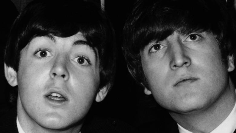 Paul McCartney og John Lennon stiller sammen