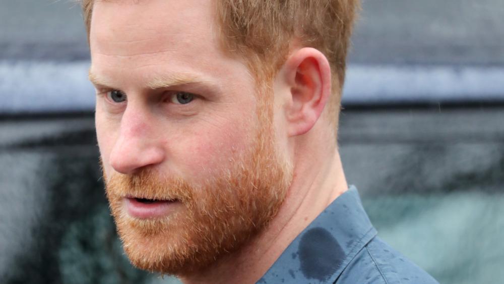Prins Harry, ansiktshår, foto fra 2020, ser opprørt ut