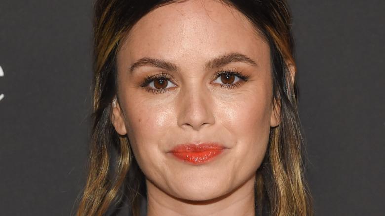 Rachel Bilson iført rød lip gloss