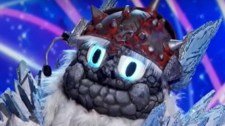 The Masked Singer's Yeti på scenen under konkurransen