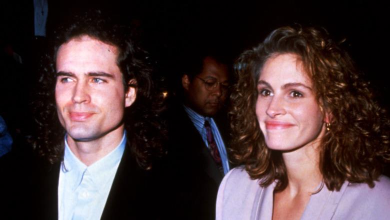 Jason Patric og Julia Roberts smilte i 1991