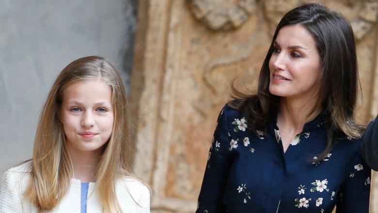 Prinsesse Leonor og dronning Letizia deltar på et arrangement 2019