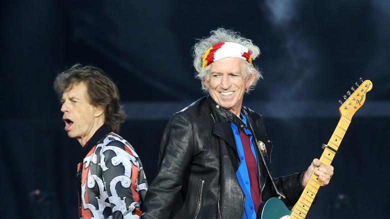 Mick og Keith opptrer