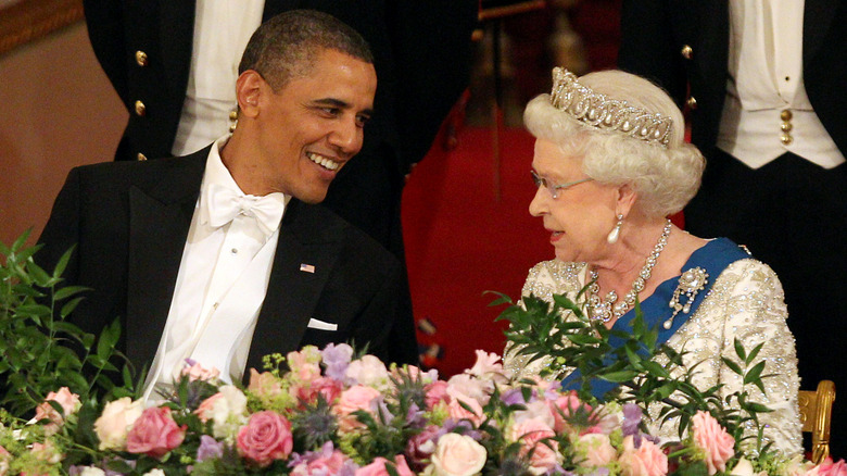 Barack Obama og dronning Elizabeth Smile