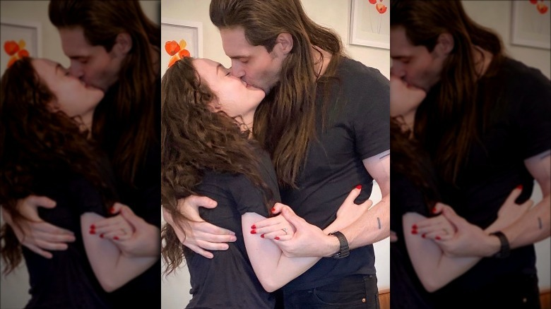 Kat Dennings, Andrew WK, kyssing