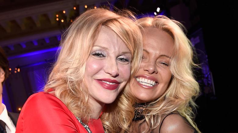 Pamela Anderson og Courtney Love