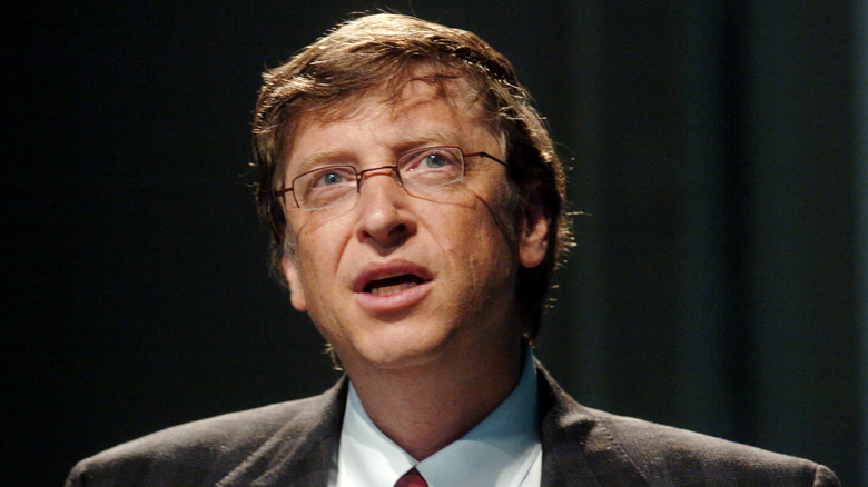 Bill Gates ser forvirret opp