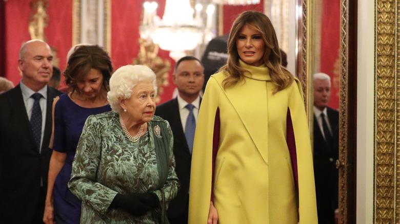 Dronning Elizabeth med Melania Trump