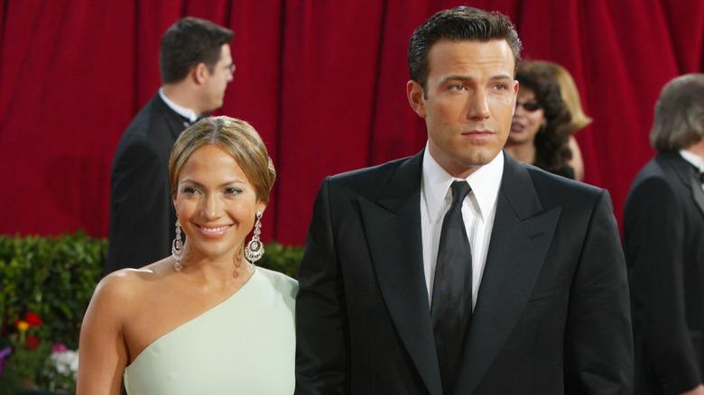Jennifer Lopez og Ben Affleck smiler