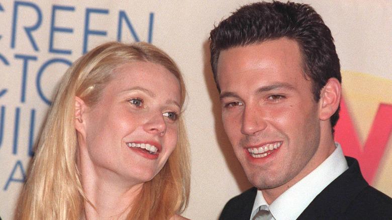 Gwyneth Paltrow og Ben Affleck smiler