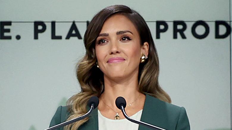 Jessica Alba offentliggjør selskapet sitt