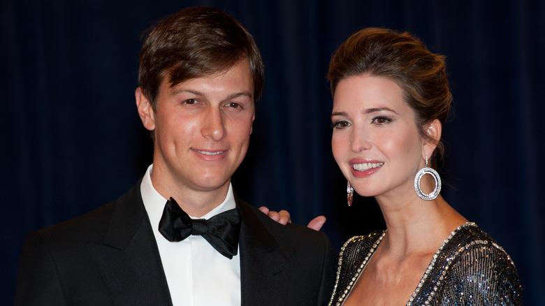 Ivanka Trump og Jared Kushner smilende