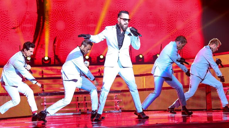Backstreet Boys opptrer