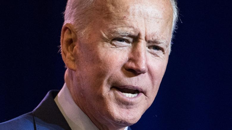 Joe Biden snakker