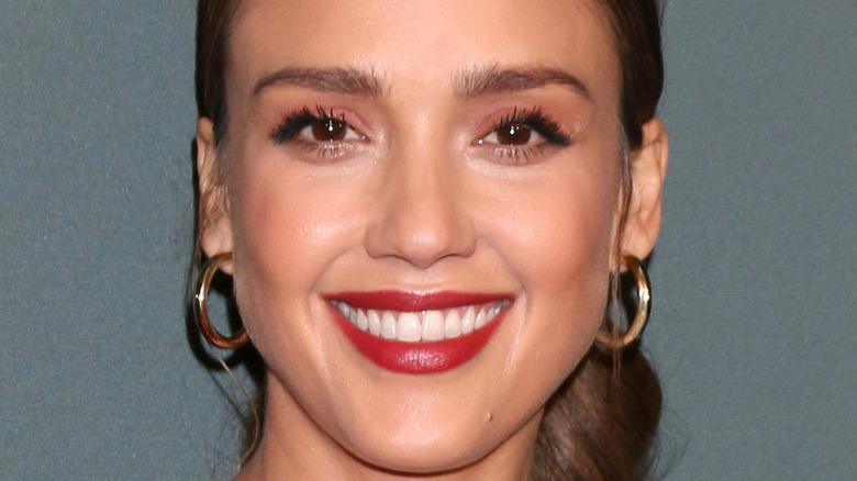 Jessica Alba smiler