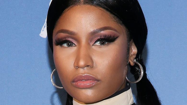 Nicki Minaj iført pigtails
