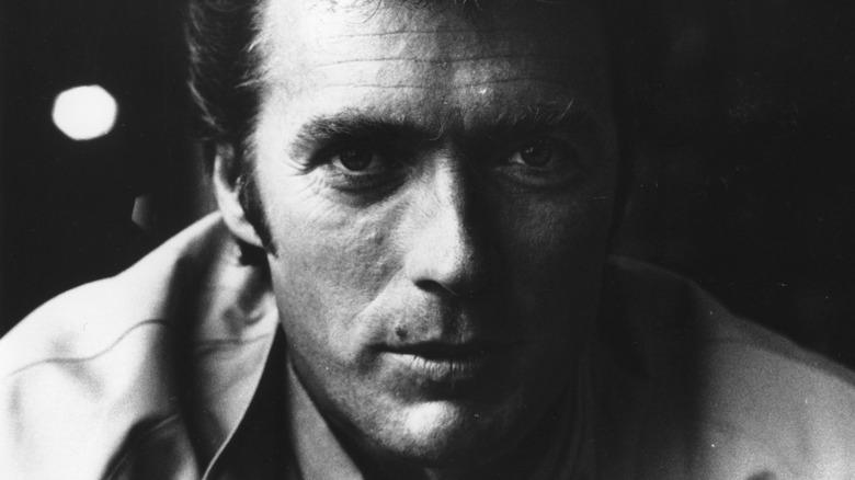Clint Eastwood poserer