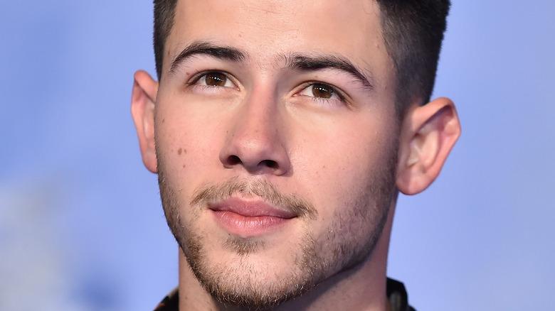 Nick Jonas seriøs