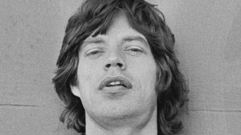 Mick Jagger poserer