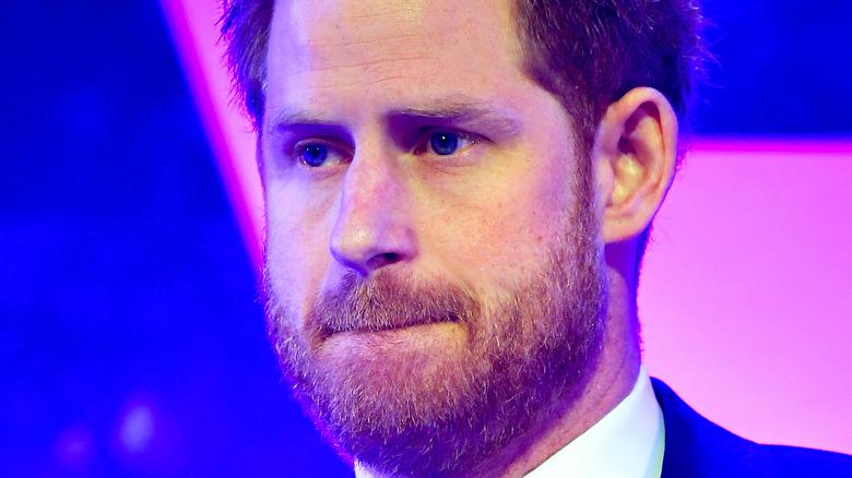 Prins Harry viklet leppene