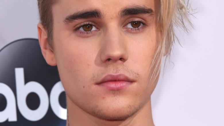 Justin Bieber med ettertenksomt blikk